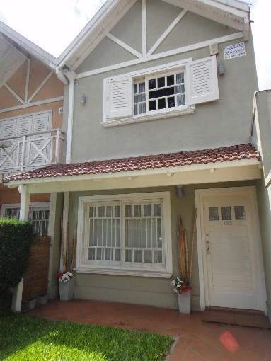 Foto Casa en Venta en  Almirante Brown ,  G.B.A. Zona Sur  COMODORO RIVADAVIA 182
