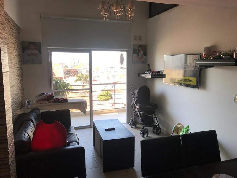 Foto Departamento en Venta en  Lanús ,  G.B.A. Zona Sur  Farrel al 800