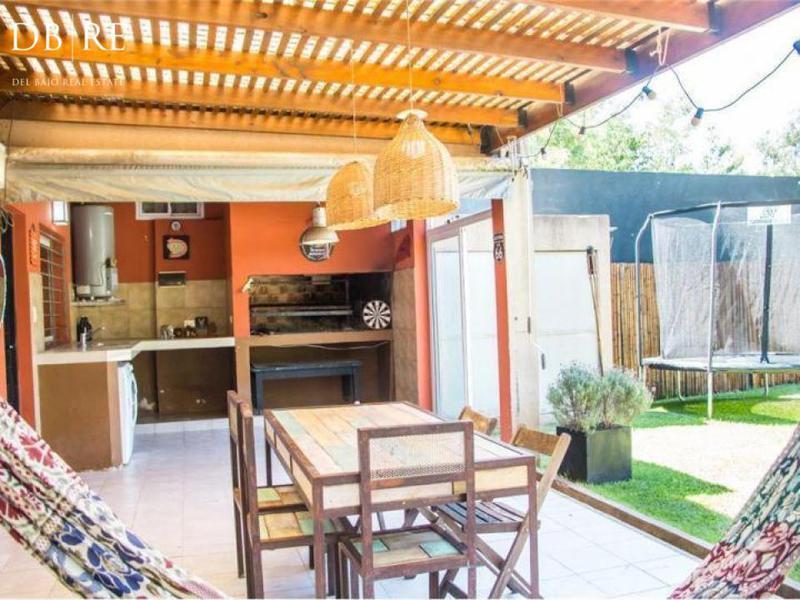 Foto Casa en Venta en  De Vicenzo Chico,  Del Viso  San Fernando al 1800