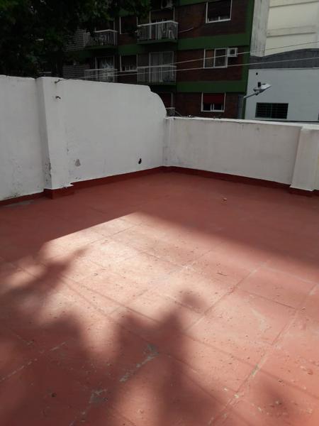 Foto Local en Alquiler en  Palermo Soho,  Palermo  PH en Alquiler URIARTE  1200  4 ambientess,  quincho y terraza. SIN EXPENSAS