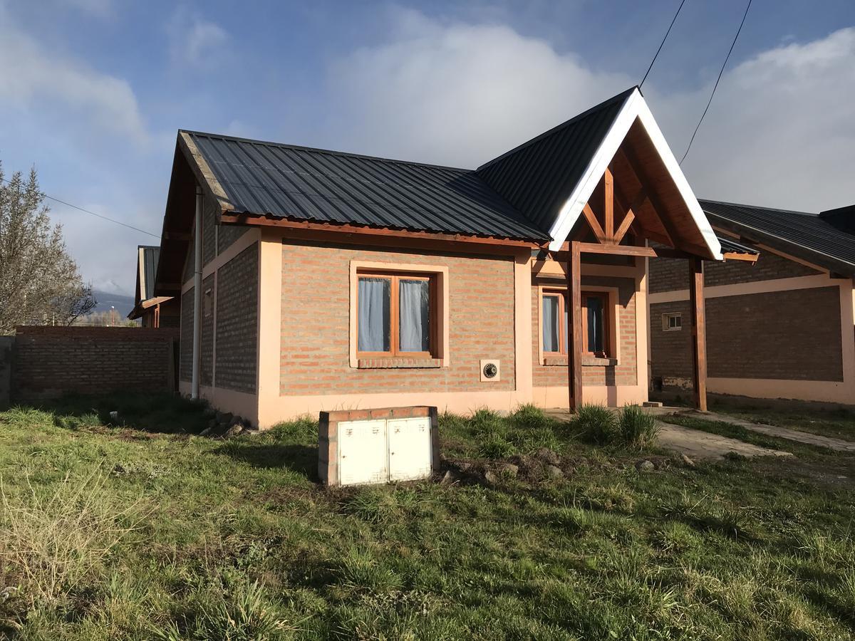 Foto Casa en Alquiler en  Trevelin,  Futaleufu  16 de octubre n° al 800