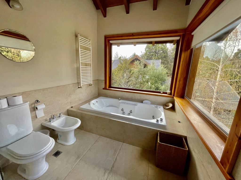 Foto Casa en Venta en  Arelauquen,  Bariloche  Arelauquen N13