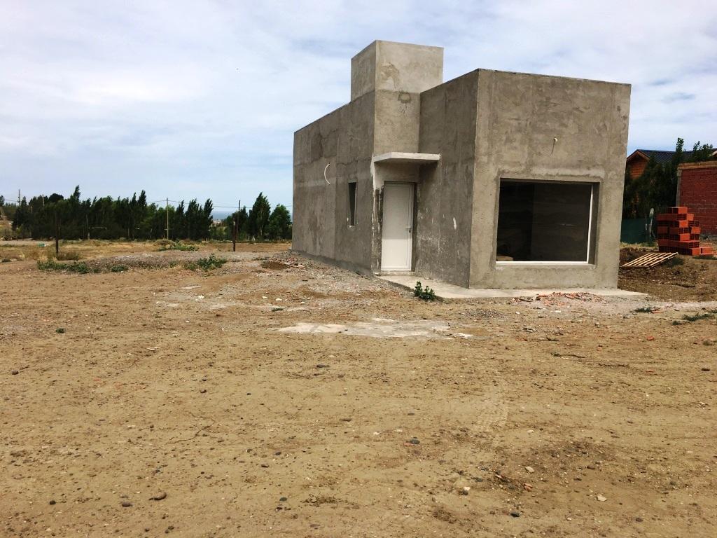 Atria propiedades casa en venta en zona oeste casa a for Casa minimalista zona oeste