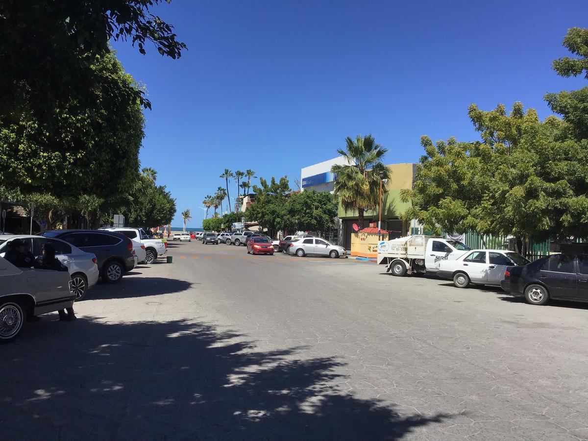Foto Local en Renta en  La Paz ,  Baja California Sur   LOCAL COMERCIAL A UN LADO DE SEARS  2 CENTRO