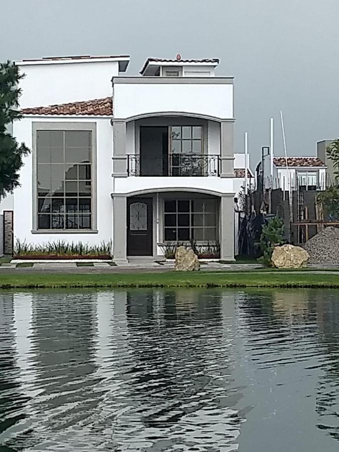 Foto Casa en condominio en Venta | Renta en  San Miguel Totocuitlapilco,  Metepec  Condado Del Valle Metepec Estado de Mexico