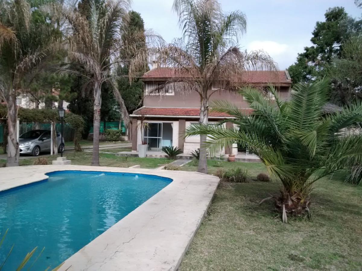 Foto Casa en Venta en  De Vicenzo Chico,  Del Viso  Santo Domingo al 1800