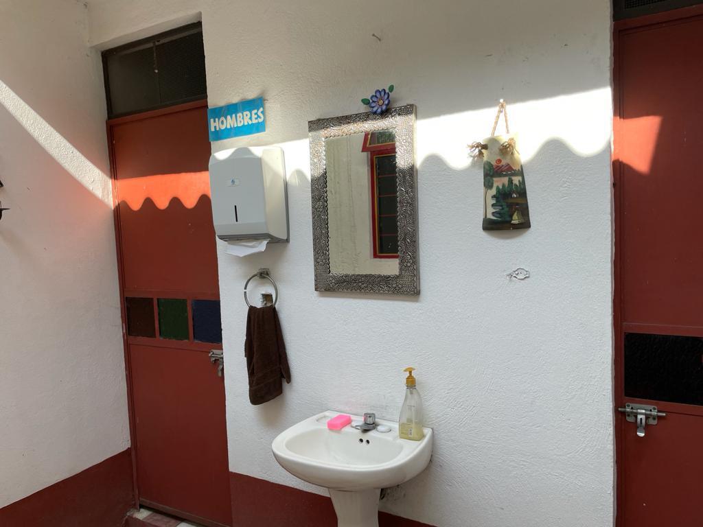 Foto Local en Renta en  Toluca ,  Edo. de México  TOLUCA ESTADO DE MÉXICO CALLE 5 DE MAYO  Y FELIPE VILLANUEVA