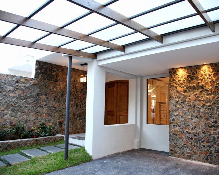 Foto Casa en Venta en  Las Carmelitas,  Santisima Trinidad  Zona Casa Rica Molas López