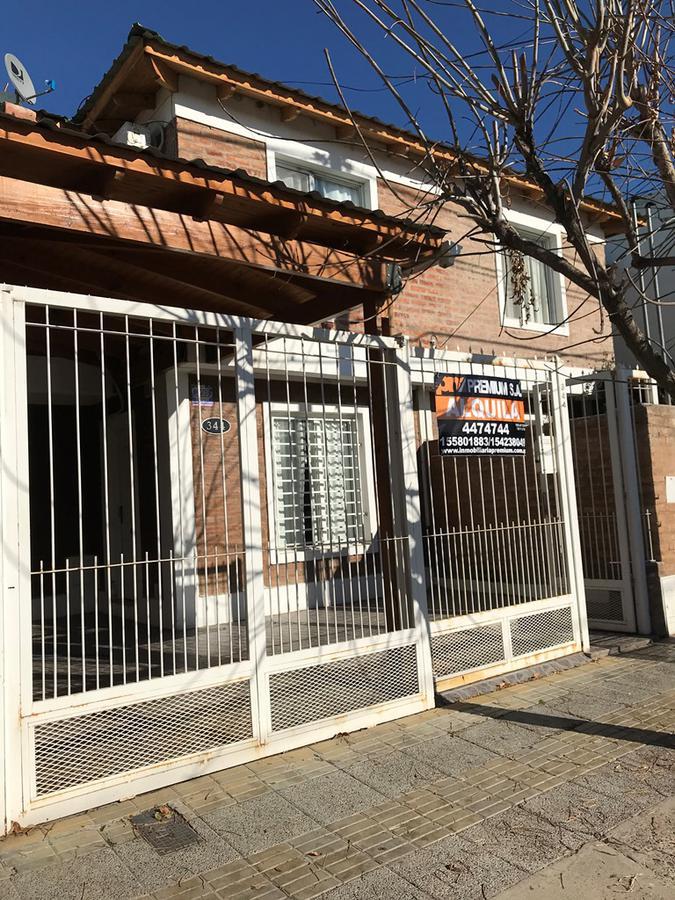 Foto PH en Alquiler en  Neuquen,  Confluencia  Dúplex - 3 dormitorios - Guiñazú N° al 300 - Neuquén Capital