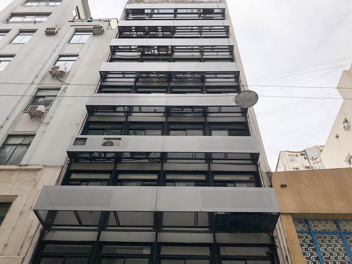 Foto Oficina en Venta |  en  Centro (Capital Federal) ,  Capital Federal  LAVALLE al 300