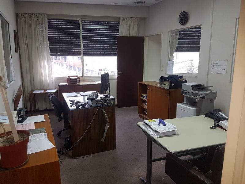 Foto Depósito en Alquiler | Venta en  Avellaneda,  Avellaneda  Chacabuco y Ameghino