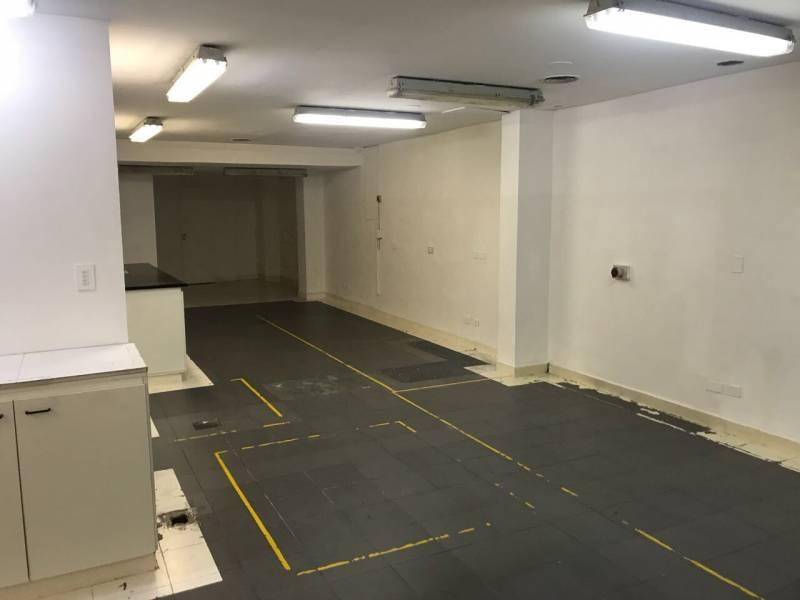 Foto Local en Venta en  Congreso ,  Capital Federal  Local comercial con oficinas y deposito. Venta. Combate de los Pozos al 300