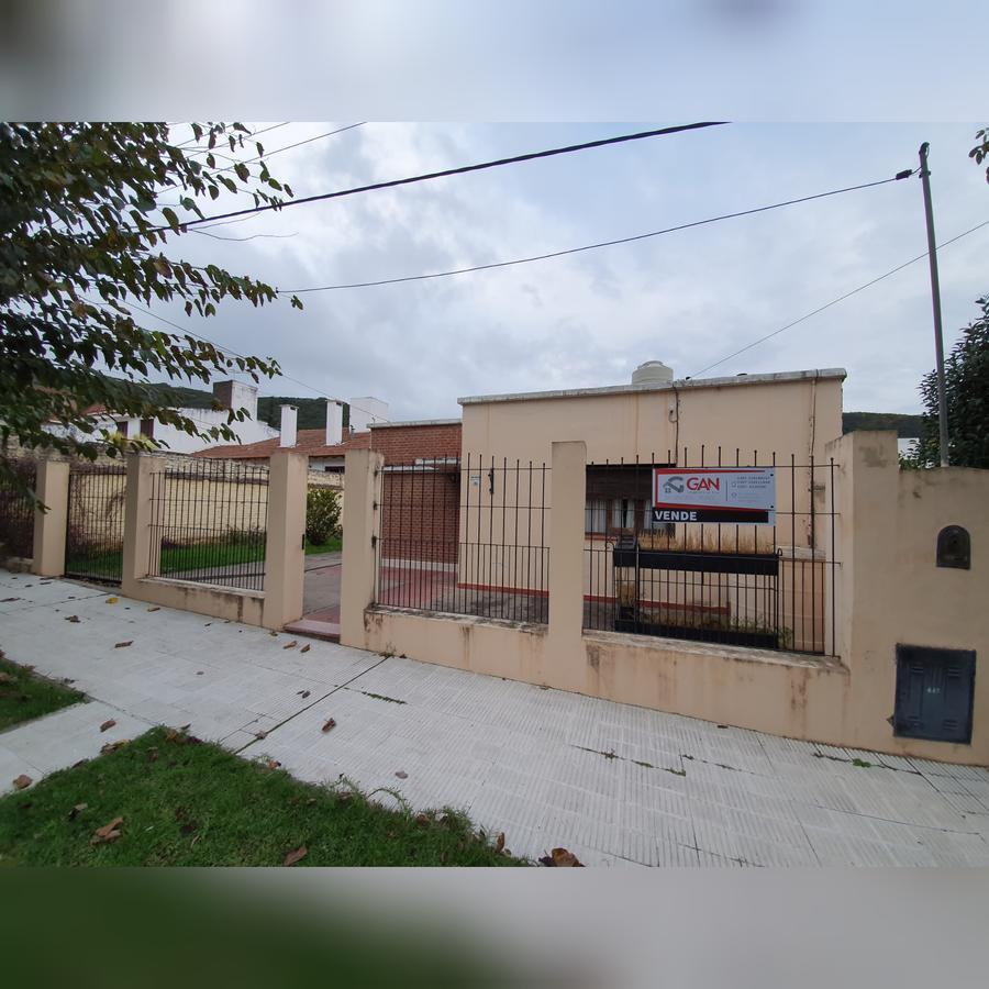 Foto Casa en Venta |  en  Bo.Tres Cerritos,  Salta  Casa en  Tres Cerritos - Los Olivos al 200 - Venta