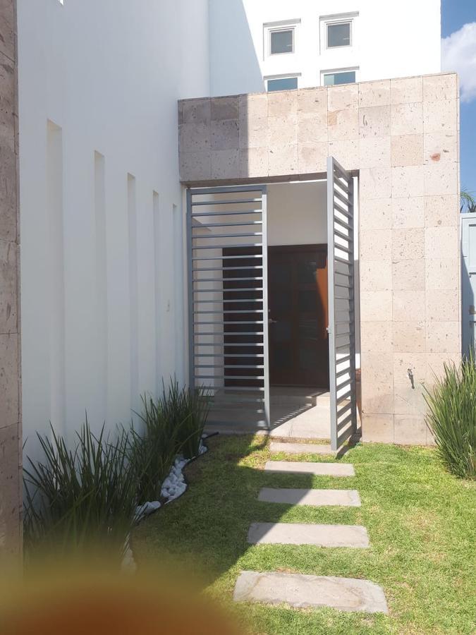 Foto Casa en Venta en  Ramiro Valles,  Chihuahua  RINCONADAS DEL VALLE 2, ZONA VALLE ESCONDIDO. FRACC. PRIVADO FRENTE A PARQUE