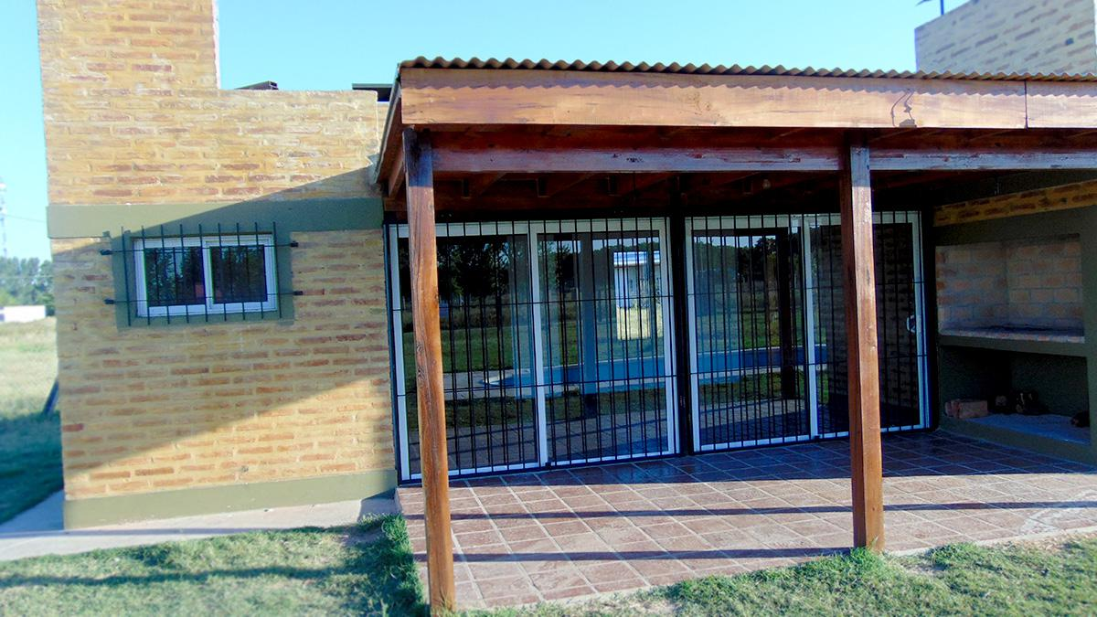 Foto Casa en Alquiler temporario en  General Pico,  Maraco  Calle 361 - Frente al Colegio Los Caldenes (Pago Norte)