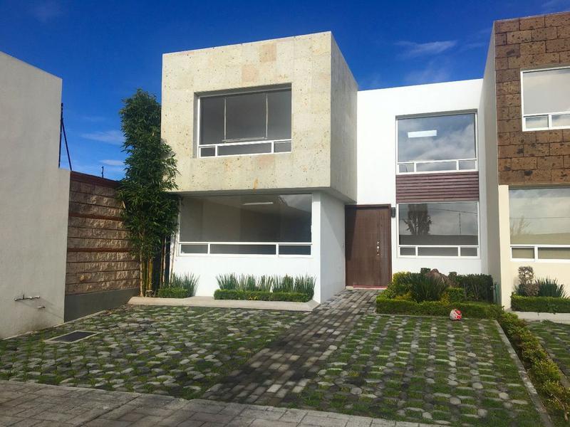 Foto Casa en condominio en Venta en  Calimaya,  Calimaya  CASA EN VENTA, BOSQUES DE LAS FUENTES, CALIMAYA