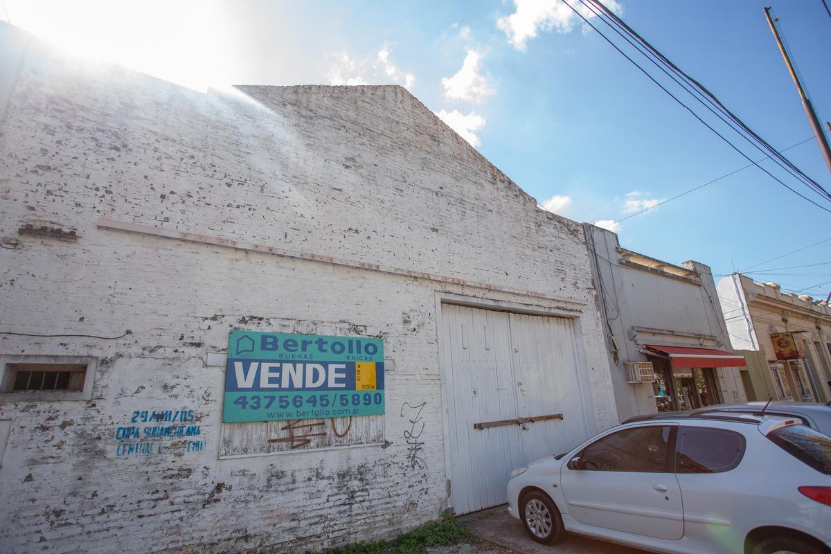 Foto Galpón en Venta en  Rosario ,  Santa Fe  Eva Perón al 7900
