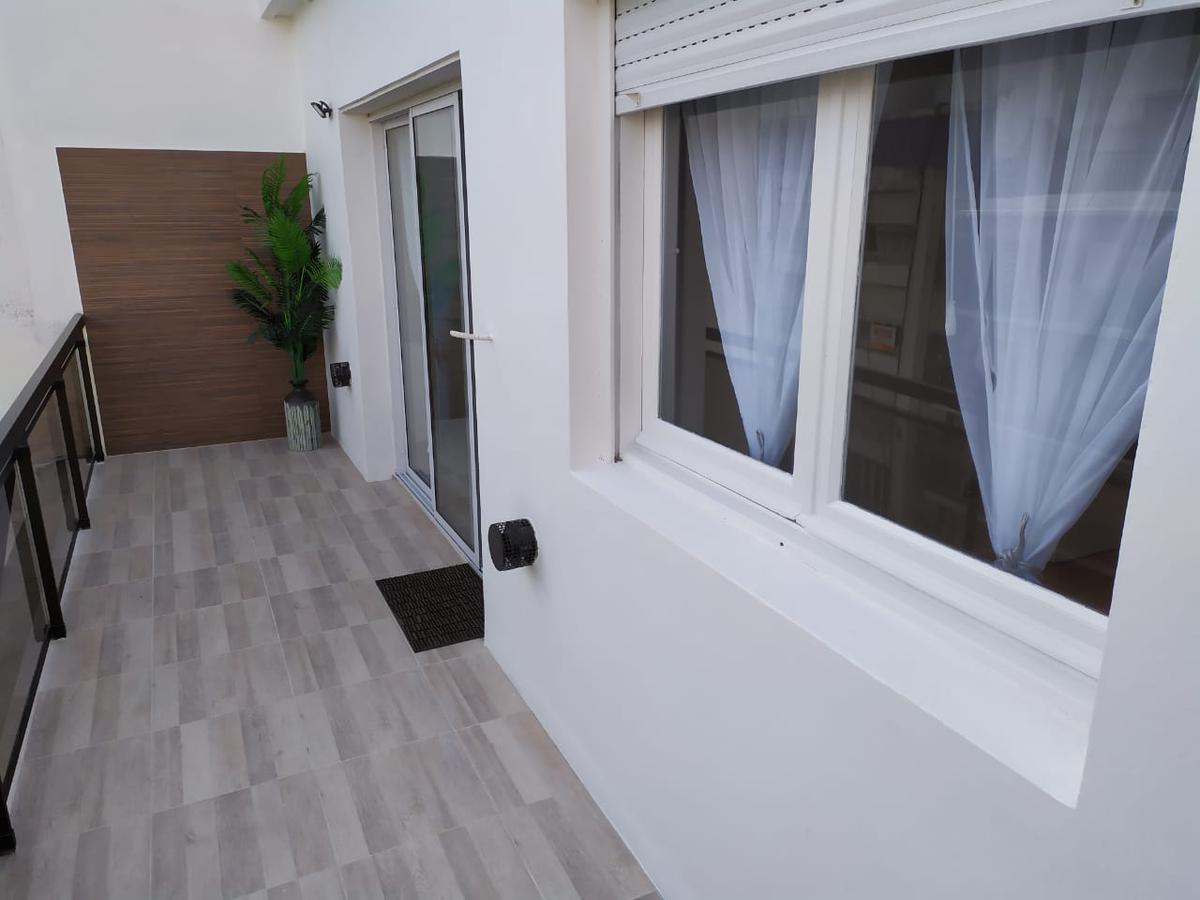 Foto Departamento en Venta en  General Pueyrredon ,  Interior Buenos Aires  Depto 3 ambientes a la calle con balcón aterrazado