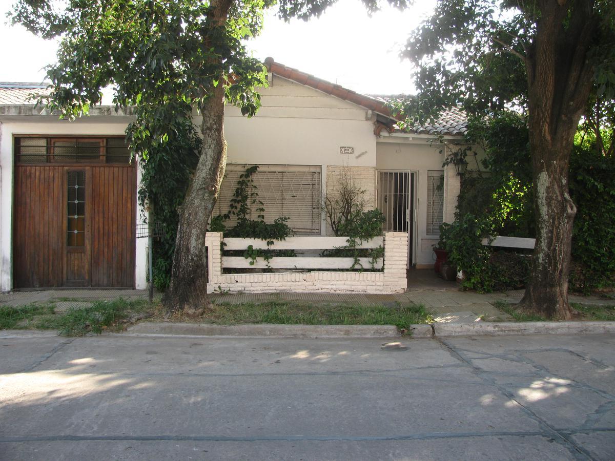 Foto Casa en Venta en  San Fernando ,  G.B.A. Zona Norte  BESARES al 2600