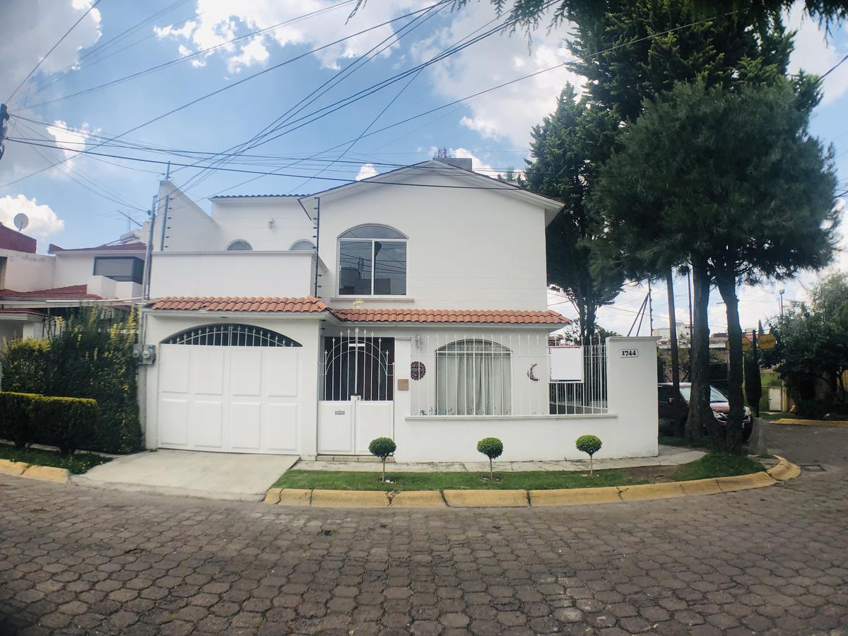 Foto Casa en condominio en Renta en  La Virgen,  Metepec  Paseo de los Manzanos, Fraccionamiento La Virgen