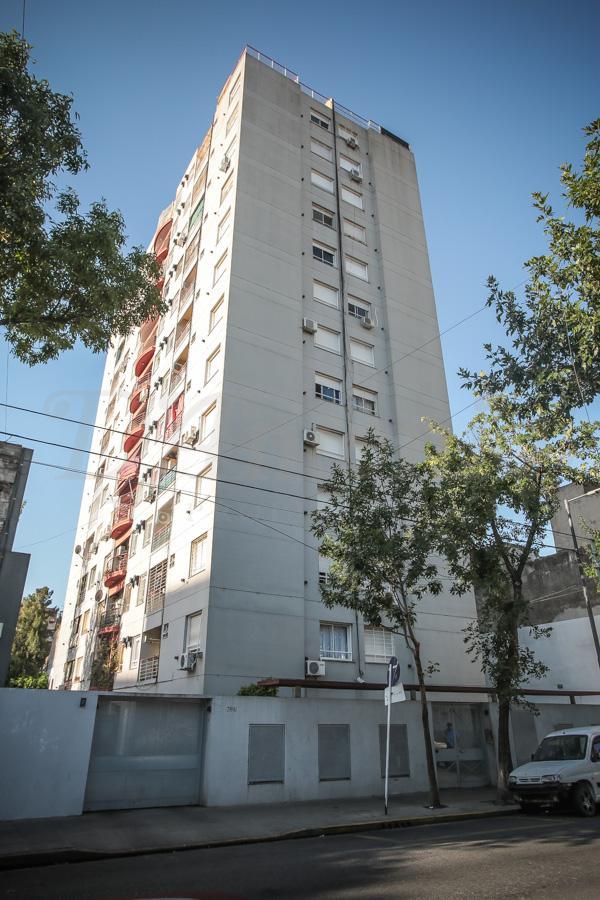 Foto Departamento en Venta en  S.Cristobal ,  Capital Federal  Humberto 1° 4to. E