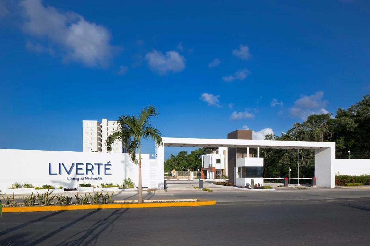 Foto Departamento en Renta en  Región 511,  Cancún                  DEPARTAMENTO EN RENTA EN CANCUN EN RESIDENCIAL LIVERTE