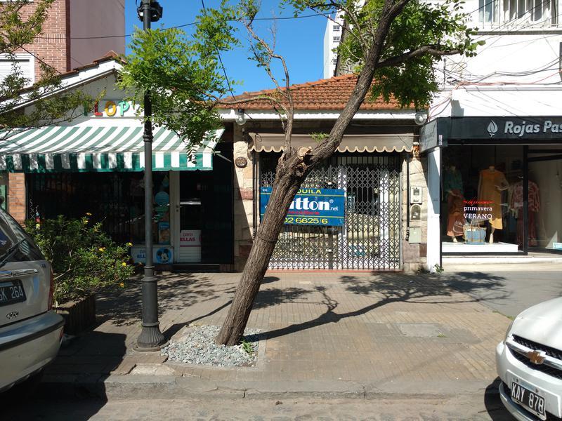 Foto Local en Alquiler en  Banfield Este,  Banfield  Belgrano  1459