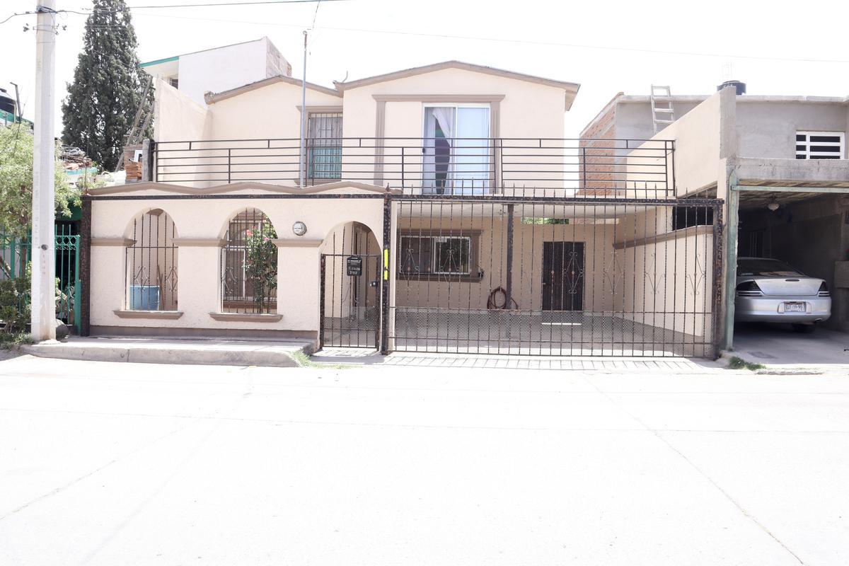 Foto Casa en Venta en  Unidad Proletaria,  Chihuahua  COL. UNIDAD PROLETARIA
