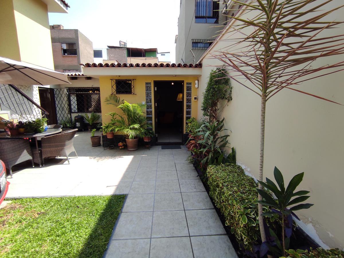 Foto Casa en Venta en  Santiago de Surco,  Lima  Parque Mochica Urb Las Gardenias Surco