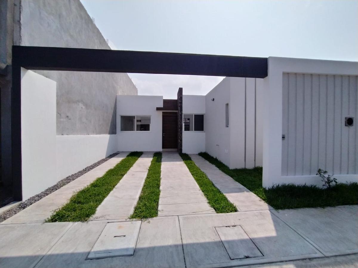 Foto Casa en Venta en  Fraccionamiento Lomas de la Rioja,  Alvarado  Casa en Lomas de la Rioja / Riviera Veracruzana