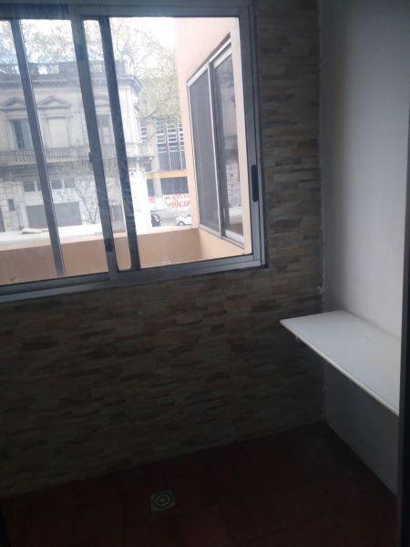 Foto Apartamento en Alquiler en  Aguada ,  Montevideo  Avda. Agraciada  2600