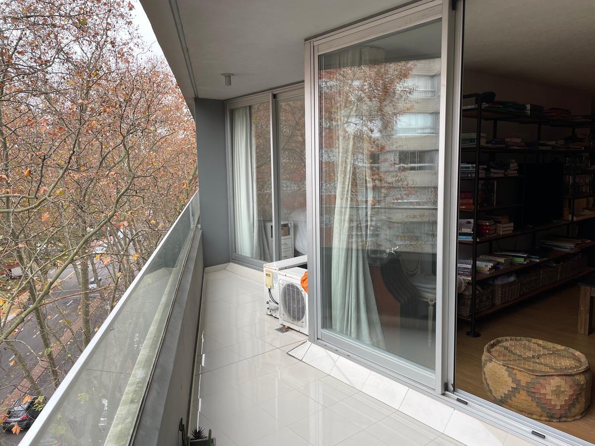 Foto Apartamento en Venta en  Pocitos ,  Montevideo  Como a estrenar, 1 dorm, garaje