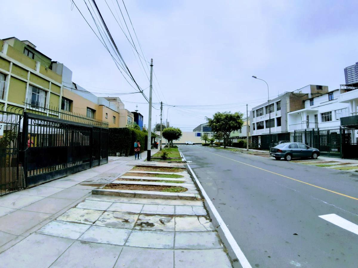 Foto Departamento en Venta en  Lince,  Lima  Jiron Los Tacones 2232 Lince