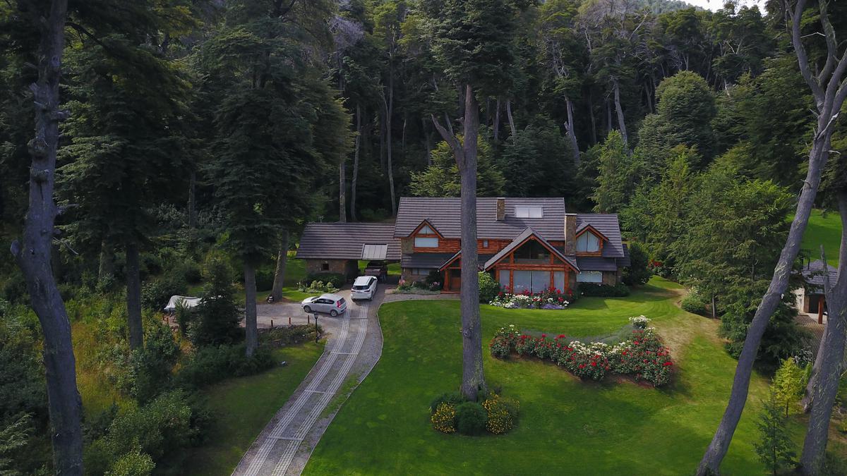 Foto Casa en Venta | Alquiler temporario en  Arelauquen,  Bariloche  Arelauquen G3 - 4