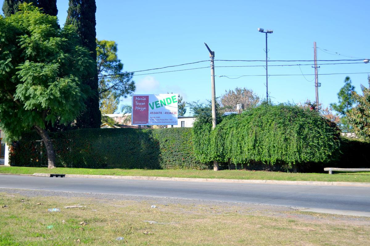 Foto Terreno en Venta en  Lomas de Alberdi,  Rosario  Juan Pablo II al 3400