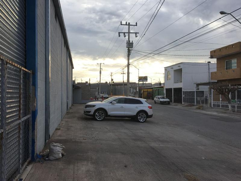 Foto Local en Venta en  Los Portales,  Chihuahua  Local Comercial