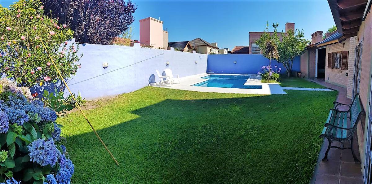 Foto Casa en Venta en  Tejas del Sur,  Cordoba  Mario Flores al 4200