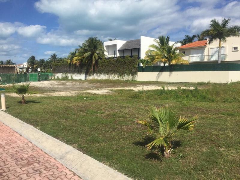 Foto Terreno en Venta en  Zona Hotelera,  Cancún  terreno en isla dorada isla amorosa