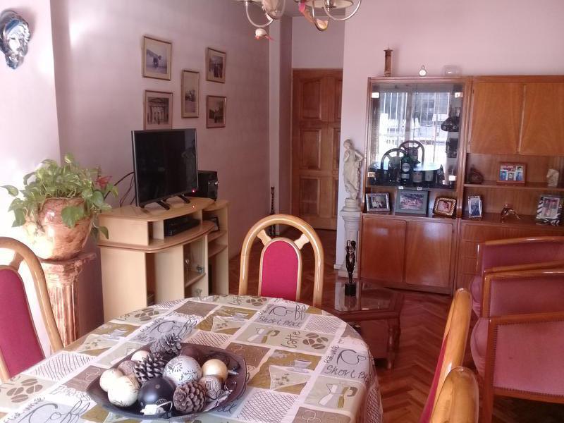 """Foto Departamento en Alquiler en  Piñeyro,  Avellaneda  Galicia 260, 1° piso, depto. """"A"""""""