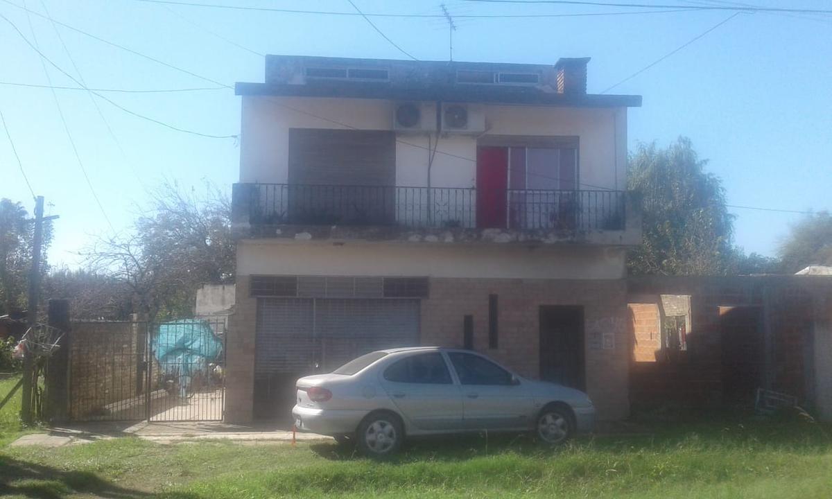 Foto Casa en Venta en  Merlo ,  G.B.A. Zona Oeste  ALBENIZ al 600