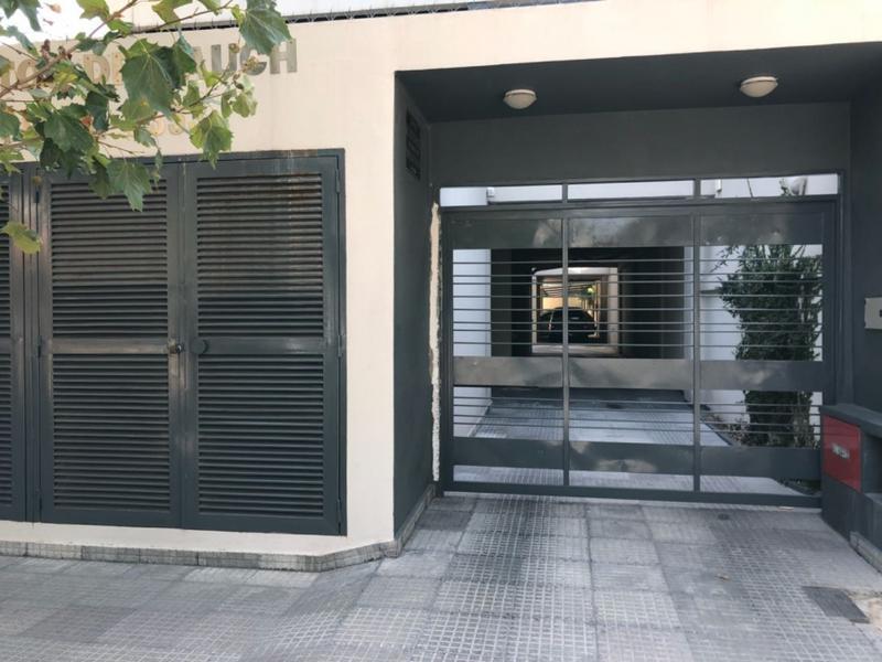Foto Cochera en Alquiler en  Remedios De Escalada,  Lanus  Oscár Francisco Alajarín  al 3300