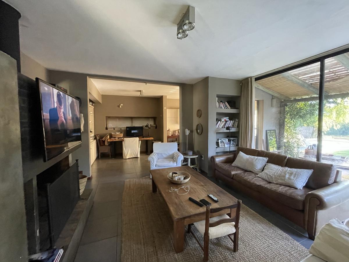 Foto Casa en Venta en  Parque Miramar ,  Canelones  Sobre lago-  muy linda propiedad