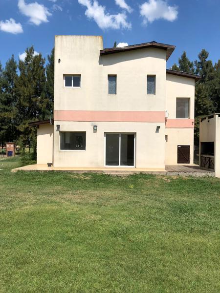 Foto Casa en Alquiler en  Malibu,  Countries/B.Cerrado  MALIBU