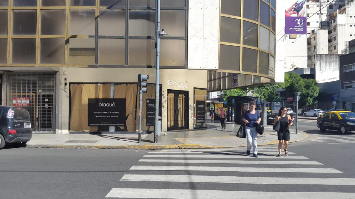 Foto Local en Alquiler en  Belgrano ,  Capital Federal  Av. Cabildo esquina Pampa