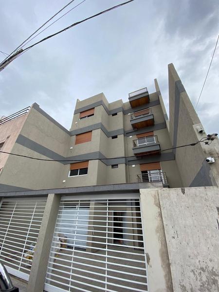 Foto Departamento en Venta en  Lomas Del Mirador,  La Matanza  Venancio Flores 22 2º Interno