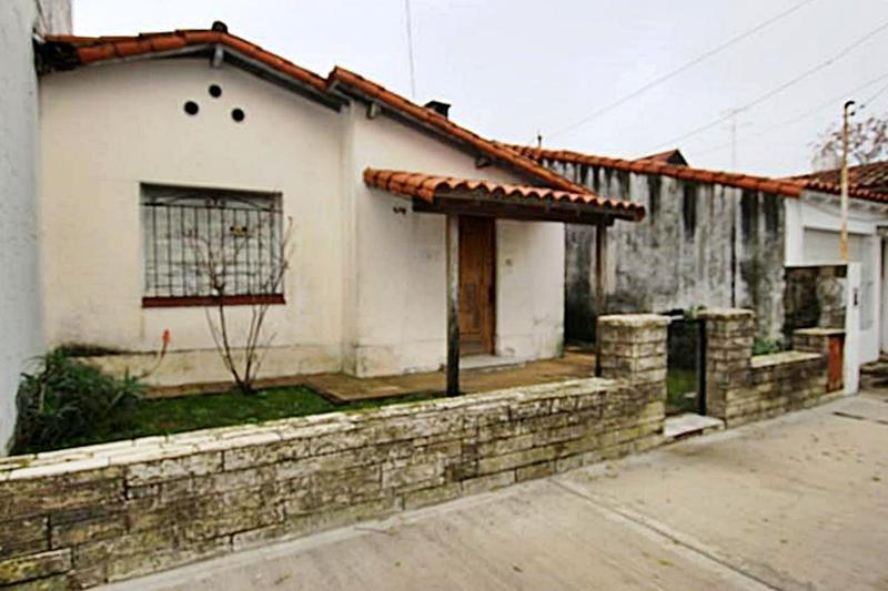 Foto Casa en Venta en  Mart.-Santa Fe/Fleming,  Martinez  Cuyo al 200
