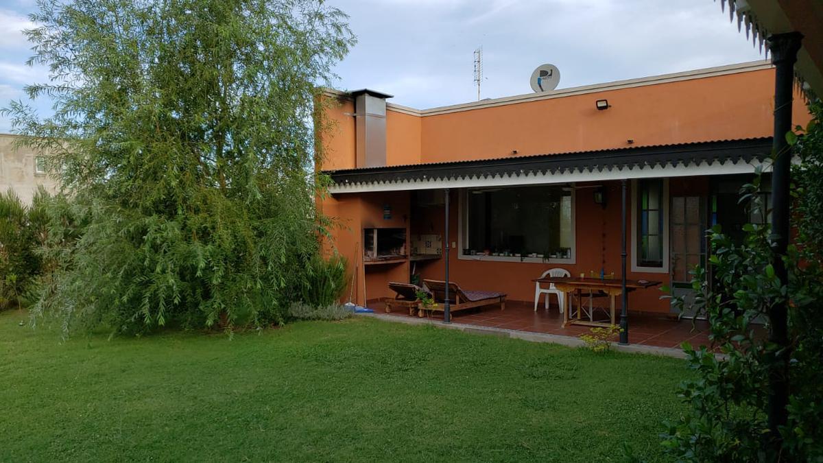 Foto Casa en Alquiler temporario en  Country Santa Rita,  Countries/B.Cerrado (San Vicente)  Alquiler Temporario - Santa Rita