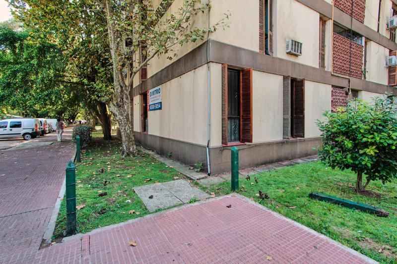 Foto Departamento en Venta en  Boca ,  Capital Federal  Arzobispo Espinosa y Eduardo Braun Menendez
