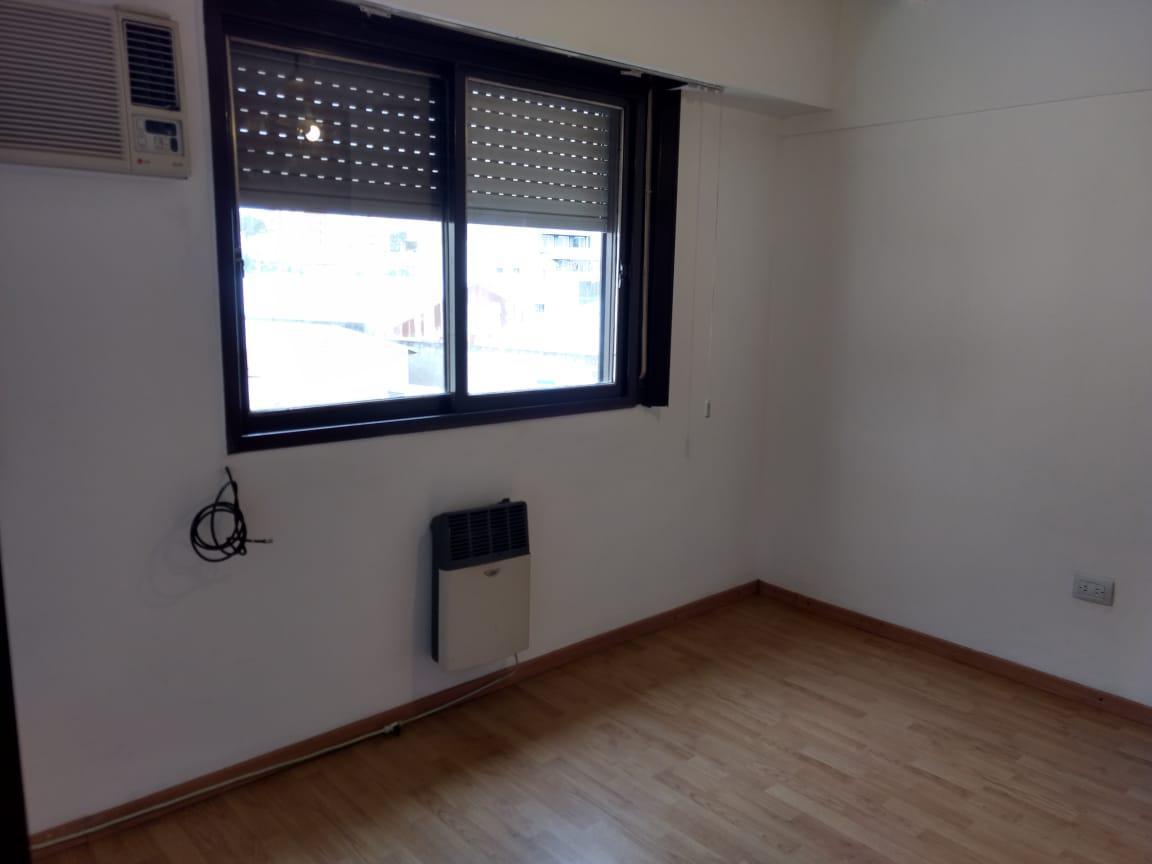 Foto Departamento en Alquiler en  Pichincha,  Rosario  Rodriguez 61