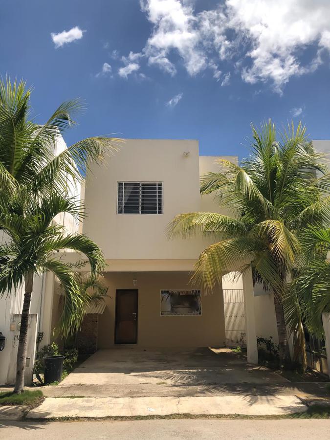 Foto Casa en Renta en  Supermanzana 312,  Cancún  CASA AMUEBLADA EN RENTA EN CANCUN EN RESIDENCIAL ISLA AZUL